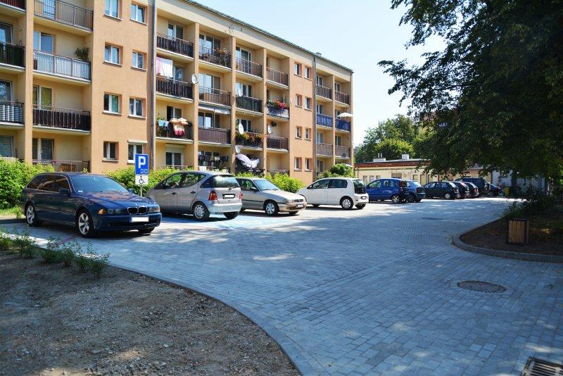 Powstał parking przy ul. Hallera